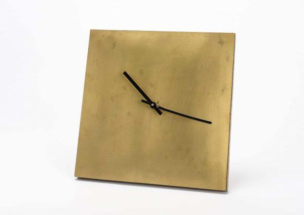 Reloj cuadrado oro