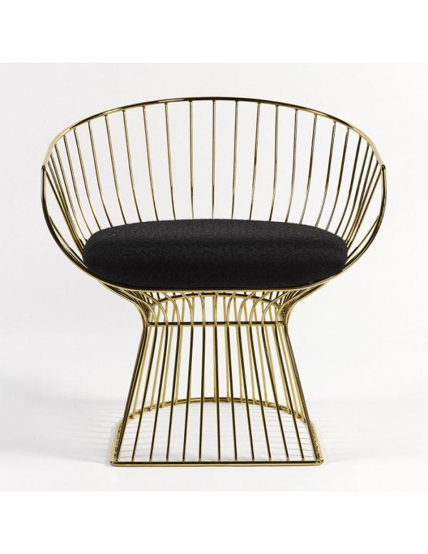 Sillon color oro con asiento negro y respaldo