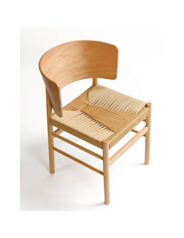 Silla de madera y asiento de cuerda